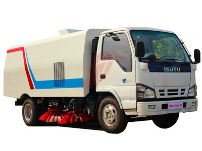 isuzu 4+1CBM road sweeper