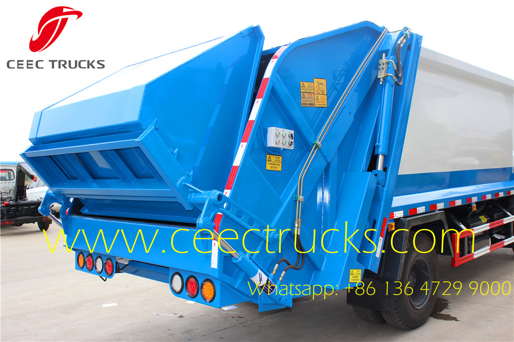 Dongfeng 8 CBM compactor trucks rear loading device