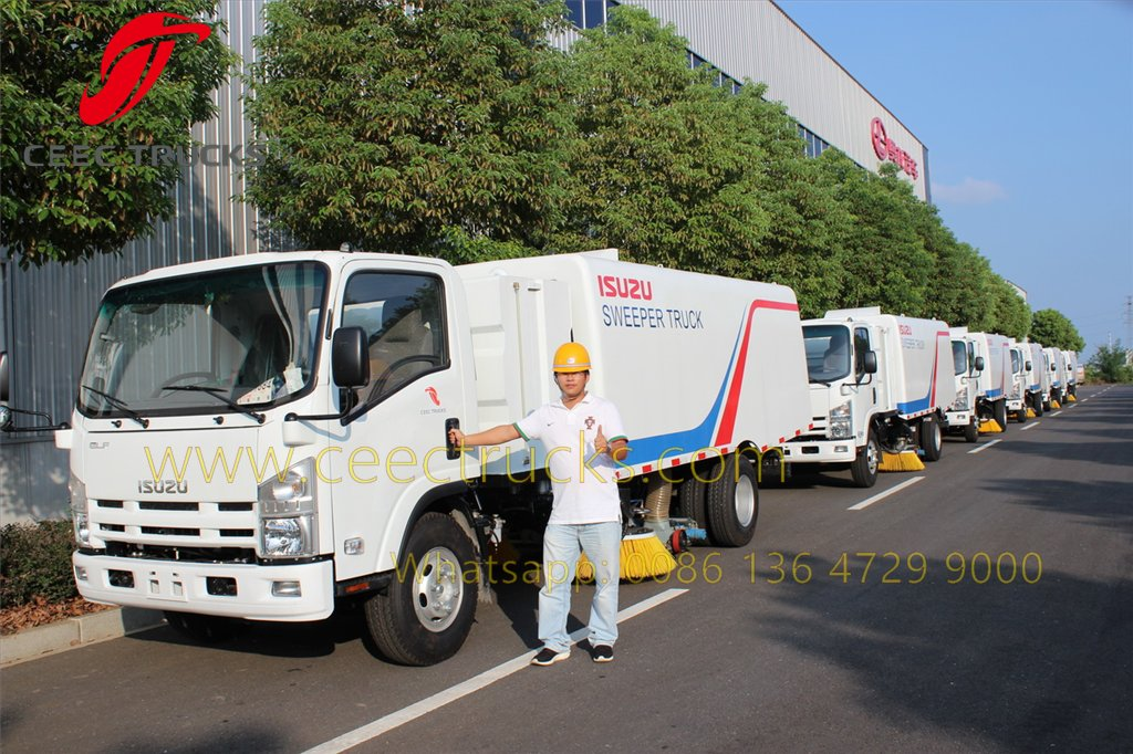 ISUZU road sweeper truck