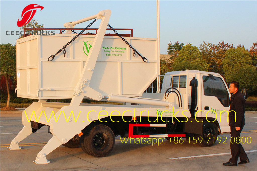 ISUZU 6000Liters swing arm garbage truck working