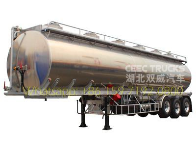 China best 3 axle oil tanker semitrailer export