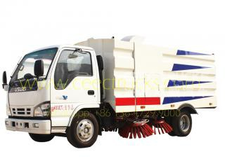 ISUZU 5000L road sweeper truck golden supplier