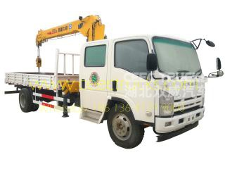 ISUZU 6300kg crane truck with double row cabin