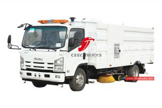 ISUZU 8cbm road sweeping truck