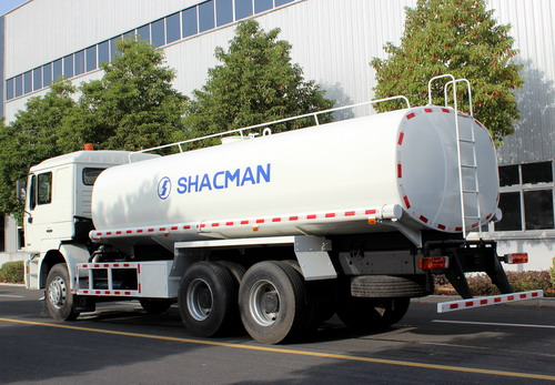 100 units Shacman water tanker export to Algeria