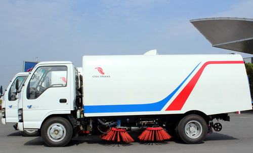 Nigeria customer inspect ISUZU road sweeper trucks