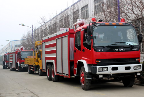 Dubai customer order 8 units ISUZU fire truck and crane truck