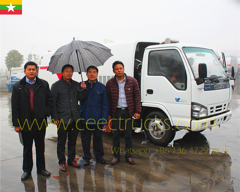 Asia Country clents visit us testing the ordered ISUZU 8CBM road sweeper