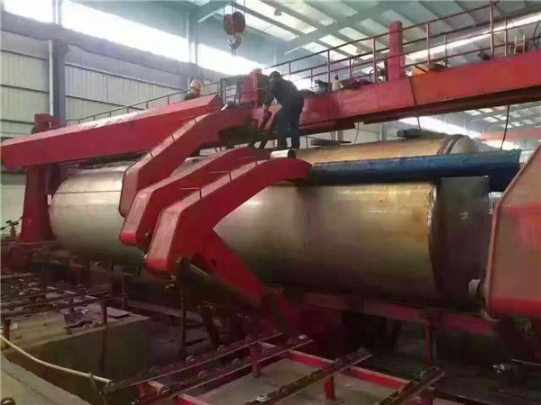 Why Customer choose Seamless Welding tanker from CEEC TRUCKS?