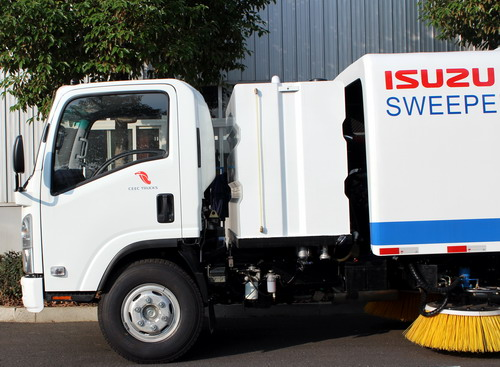 10 units ISUZU road sweeper truck export to South asia